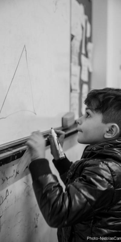 Intégrer les enfants syriens dans le système éducatif au Liban